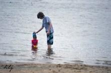 Oka beach sibling love