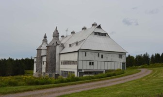 The unique barn was also designed by Edward Maxwell. Unemployed shipbuilders made his vision come alive—which is why the loft looks a lot like the inside of a giant boat.