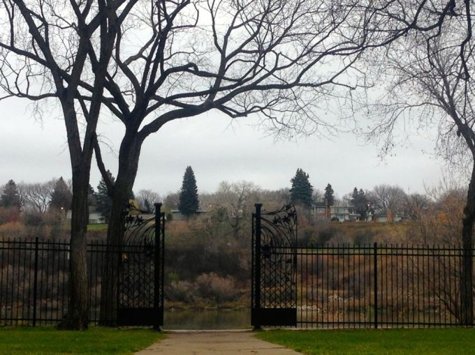 bessborough hotel garden gate1