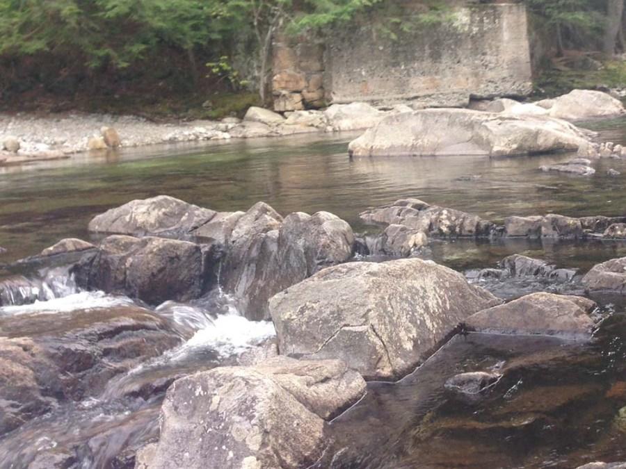 bouqet river new york rocks