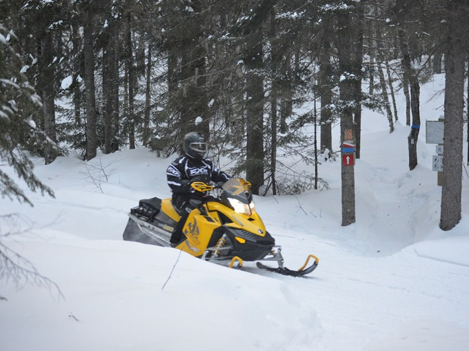 Some trails in La Mauricie National Park are perfect for Ski-Dooing.